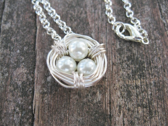 White Pearl Birds Nest Necklace