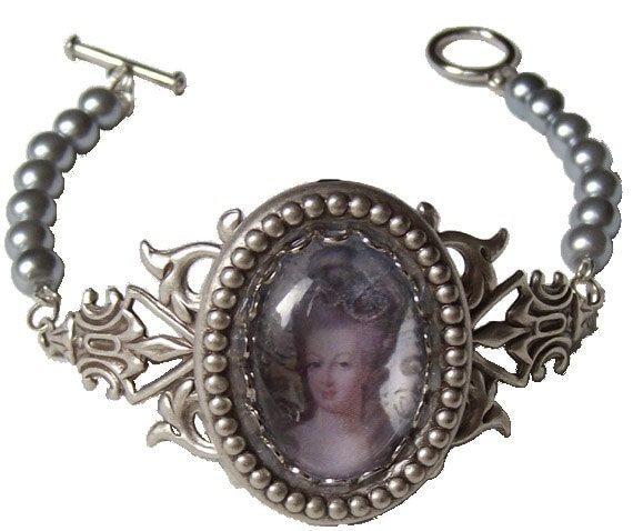 Vintage style Marie Antoinette cameo bracelet with silvered filigree and grey glass pearls
