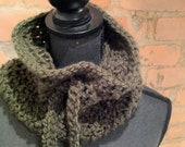 Dark green crocheted cowl: green cowl with a crocheted drawstring..by  myLOVEknots