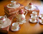 Small and sweet tea set