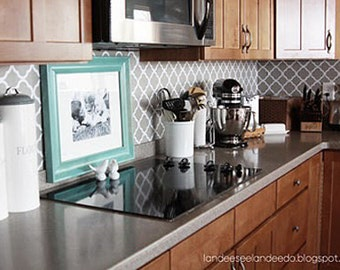 Sample only - Kitchen backsplash, pantry or bathroom upgrade - vinyl quatrefoil design -