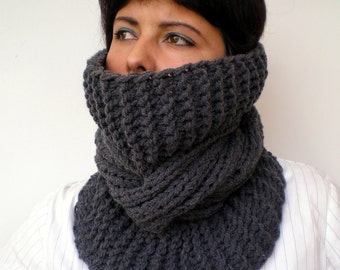 Charcoal Tour  Cowl Super Soft Acrilyc Yarn  Neckwarmer Women/Men  Chunky Cabled Cowl