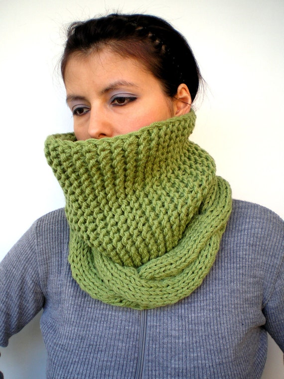 Ginny Green Cowl Super Soft Wool Neckwarmer Unisex Chunky Cabled Cowl