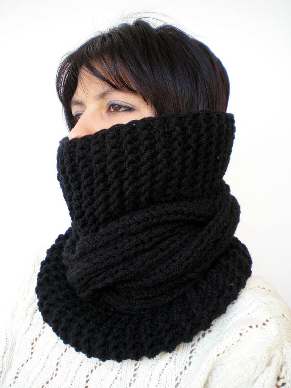 Black Tour Fashion   Cowl Super Soft Wool Neckwarmer Unisex Chunky Cabled Cowl
