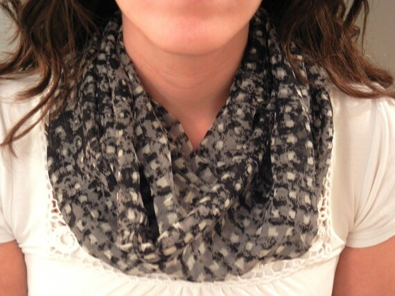 SALE // Black and Grey Infinity Scarf