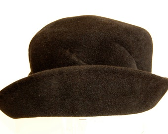 1960s Black Velour Fur Felt, Union Made, Peachbloom Velour, Merrimac Body, Made of Imported Fur