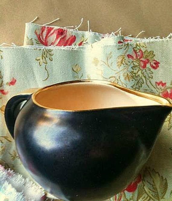 Vintage  Villeroy & Boch Creamer  Black  Tan  Gold Trim Holiday Table Gravy Boat Creamer Modern Traditional