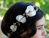 Bridal sweet pea head wreath in white and ivory
