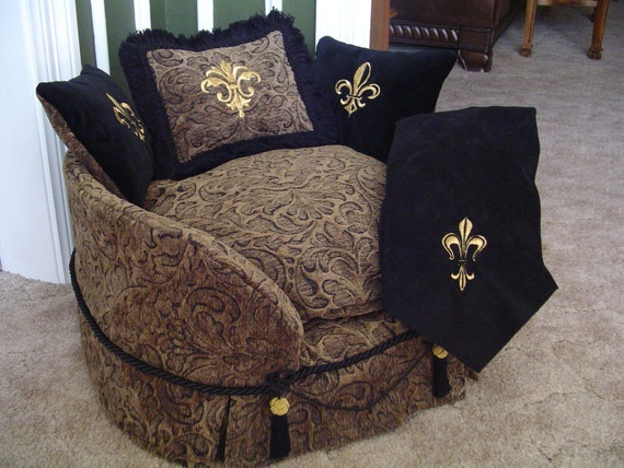 Small Deluxe Designer Dog Bed
