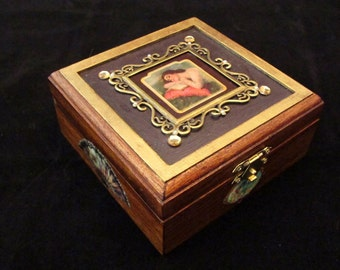 Romantic Vintage Style Wooden Jewelry Box