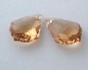 2 SWAROVSKI 6090 Baroque Crystal Pendant 16mm Light COLORADO TOPAZ
