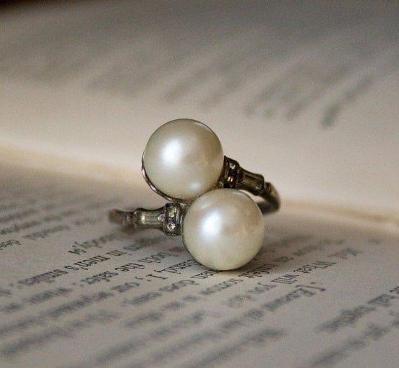 Vintage ART DECO Ring . 1920s 1930s Jewelry . Cultured Pearl and Sterling Silver Ring - UNCAS