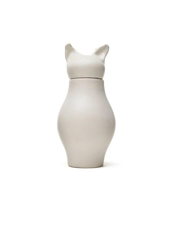 Basst- Cat Urn Matte White