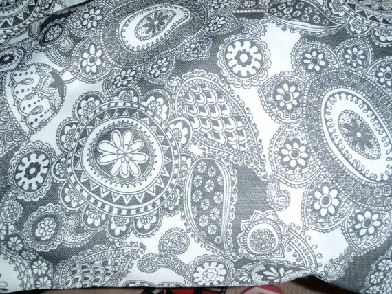 Free shipping coupon code, 1970 Vintage Large Polyester Stretch, black and white paisley, hippie style 120 X 64