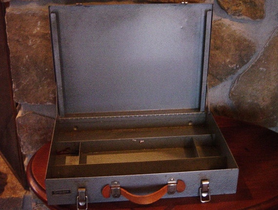 Grumbacher Metal Paint Box, Oil Painter's Box, Paint Box, Industrial Storage Box, Tool Box, oil paint, acrylic paint