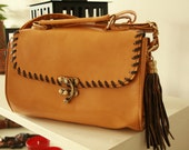 ON SALE from 25 to 20 mustard vintage bag