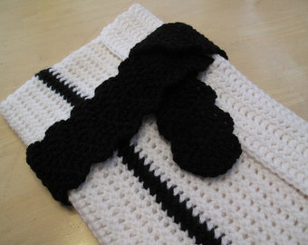 Black & White Tie-off Cozy for Netbook