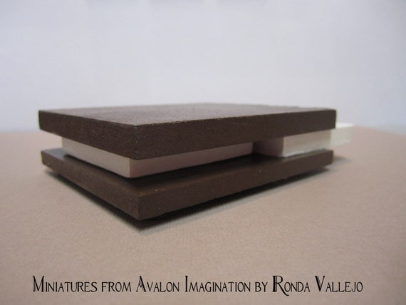 1 12 Scale Chocolate Brown And White Ultra Modern Dollhouse