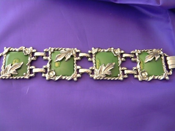 Vintage Bracelet, Green Lucite Squares with Silver Tone Leaves