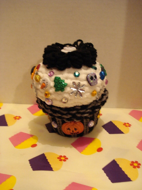 NIghtmare before Christmas inspired knitted Cuppy cake
