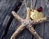 s a l e : LIBRE Gold Metal Starfish Charm Necklace