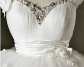 Custom make Vintage Inspired Wedding Dress A LINE Bridal Gown Bridesmaid Formal White Flower Sash Crystals Plus Size Ball Gown Prom Dresses