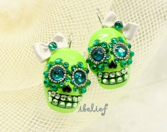 Skull in a-day is the day of the dead green eye earrings EP0010