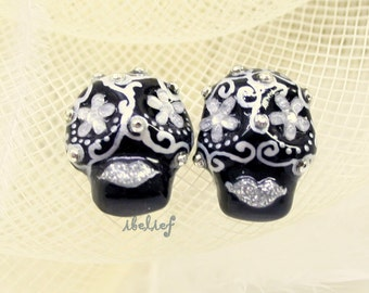 Skull in a-day is the day of the dead black silver fower earrings E0053