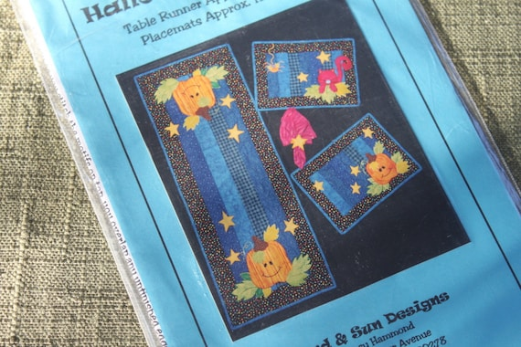 Halloween Friends table runner and placemats Pattern