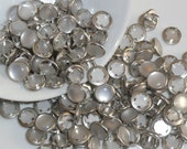 50 Snaps Pearl Set Pure White 4-Part Prong Size 16