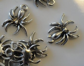 CLEARANCE 6 Creepy Spider Bug Charms Antique Tibetan Silver Color 1/2 Inch  Spooky Boy Party Halloween