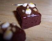 Brownie Earrings - Smells Like Chocolate