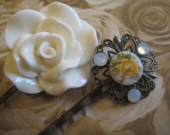 Pure Elegance: Authentic Vintage Floral Cabochon w/ Swarovski Crystals & Large Off-White Rose on Antique Bronze Filigree Bobby Hair Pins Set