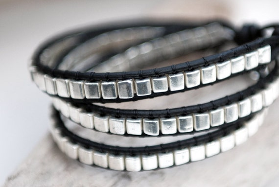 Leather wrap bracelet with miyuki silver cube beads and silver plated button. Triple wrap leather bracelet. Beaded bracelet. WGC3v006