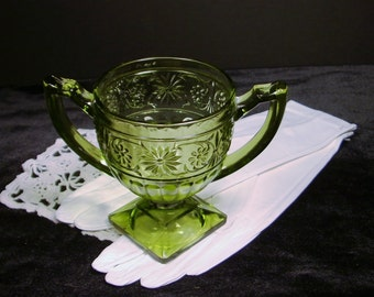 Fabulous Vintage Green Indiana Glass Daisy Pattern Square Pedastal Sugar Bow lwith Handles