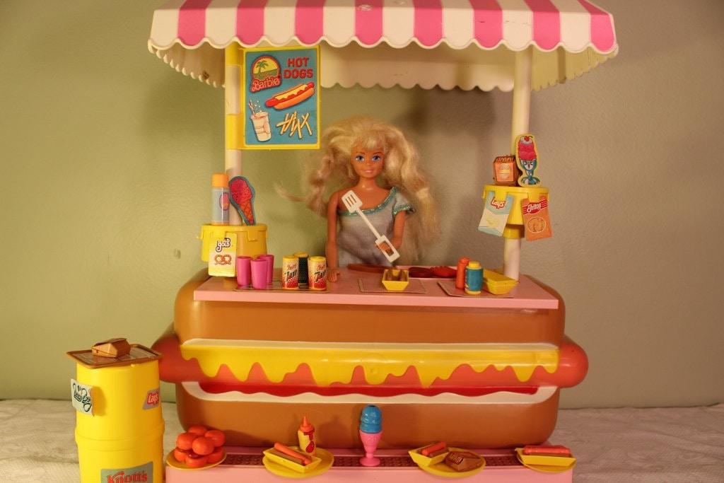California Dream Barbie Hot Dog Stand