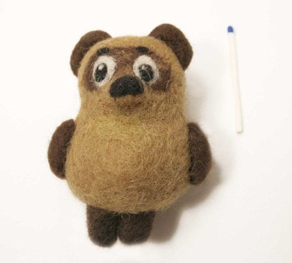 Neddle felted Winnie - the Pooh brooch - felted bear brooch