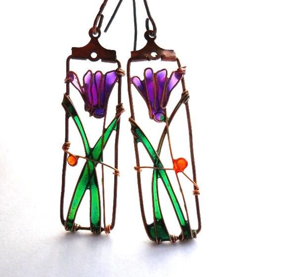 Cyclamen earrings, purple flower earrings, dangle wire earrings, free shipping, boho earrings