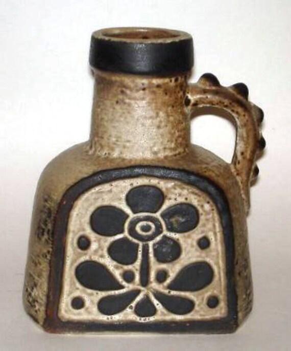 Fat Lava Vase