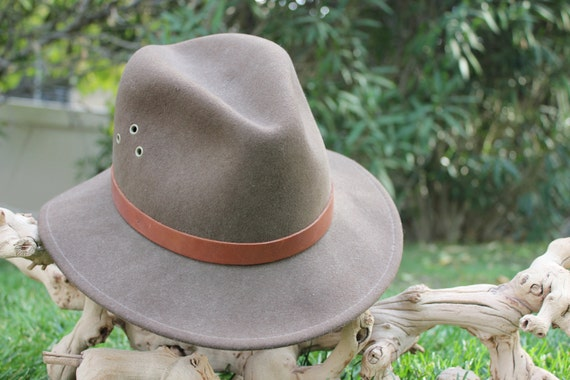 vintage 70's fawn brown country gentlemen's felt outback hat