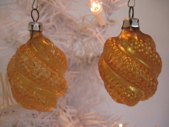 Vintage Glass Swirl Christmas Holiday Ornaments - Yellow
