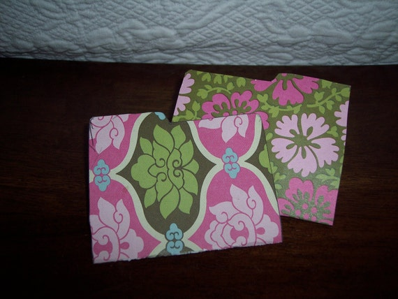 Green/Fushia/light pink Flower Folder