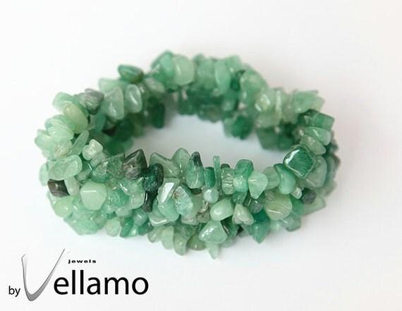 Bracelet with green jade chip gemstones, stretch bracelet
