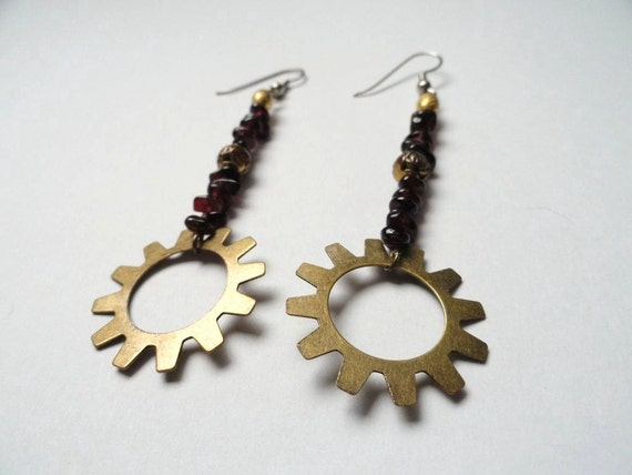 Steampunk Jewelry - Garnet Gear Earrings - Steampunk Earrings-Dangle Earrings - Steampunk Christmas - Garnet Jewelry - Rose Beads