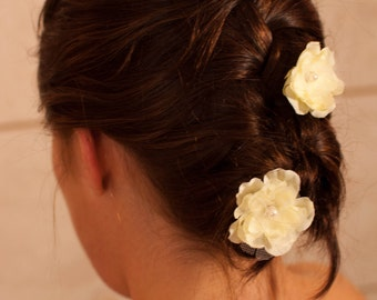 Bridal ivory hair fascinator accessories