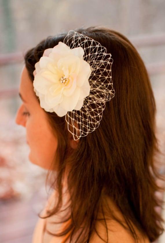 Bridal ivory hair fascinator accessory