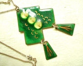Green Enameled Tree Handmade French Vintage Necklace / Pendant (A238)