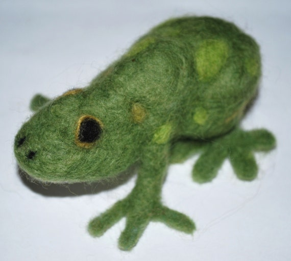 Hand Felted Little Green Frog