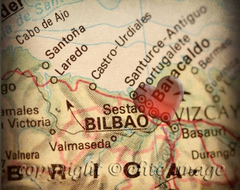8x8 MAP of BILBAO Spain with a Heart Shape with a Grunge Vintage Border - 8x8 Photograph