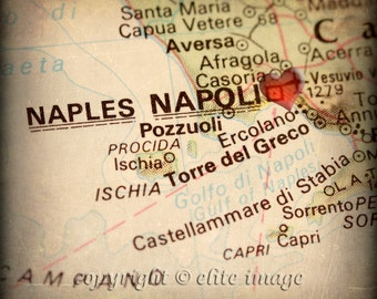 8x8 MAP of NAPLES Italy with a Heart Shape with a Grunge Vintage Border 2 - 8x8 Photograph
